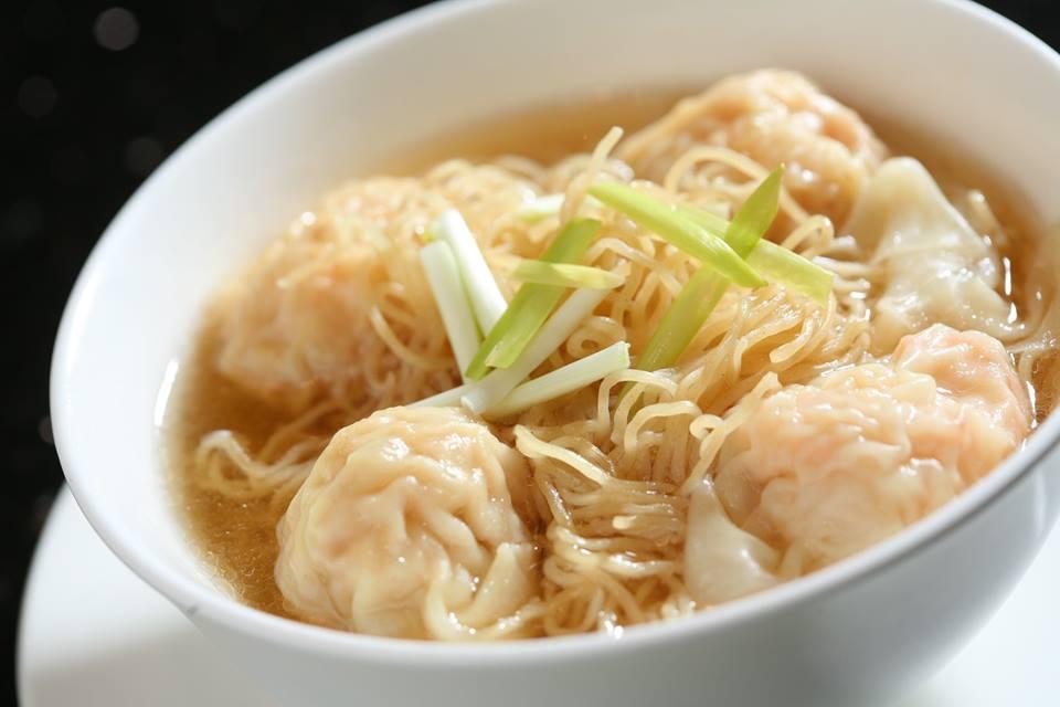 香港ミシュランレストラン何洪記の雲吞麺の写真