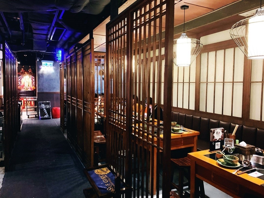 香港の火鍋レストランのおすすめ店養心殿台式養生鍋