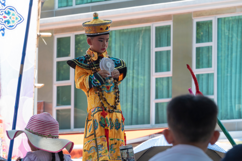 香港の「長州島饅頭祭」の写真