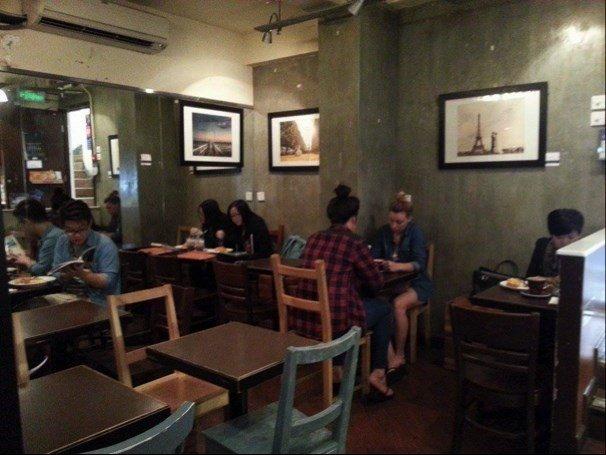 """香港の繁華街「銅鑼湾」にある隠れ家カフェ""""Cafe Corridor"""""""