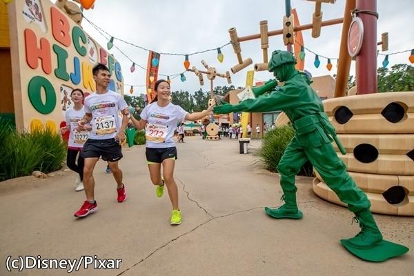 香港ディズニーランド内のマラソンランニング