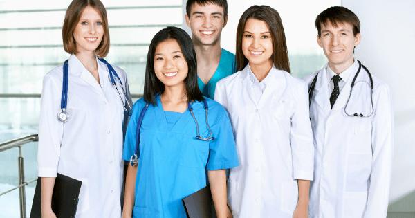 薬剤師と看護師の将来性
