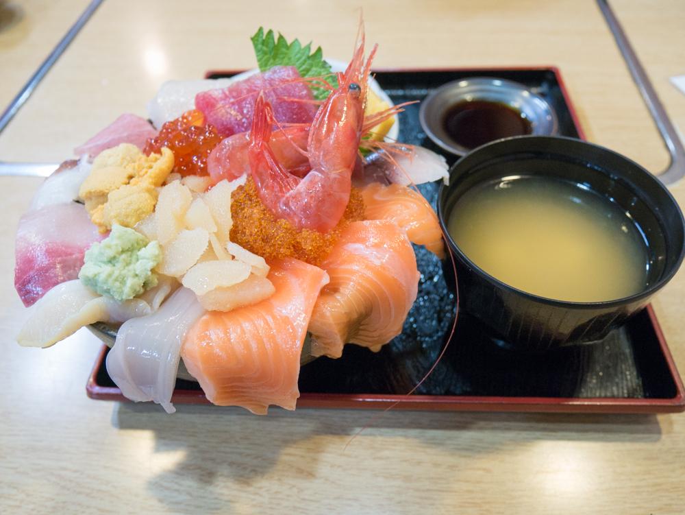 すみれの海鮮丼