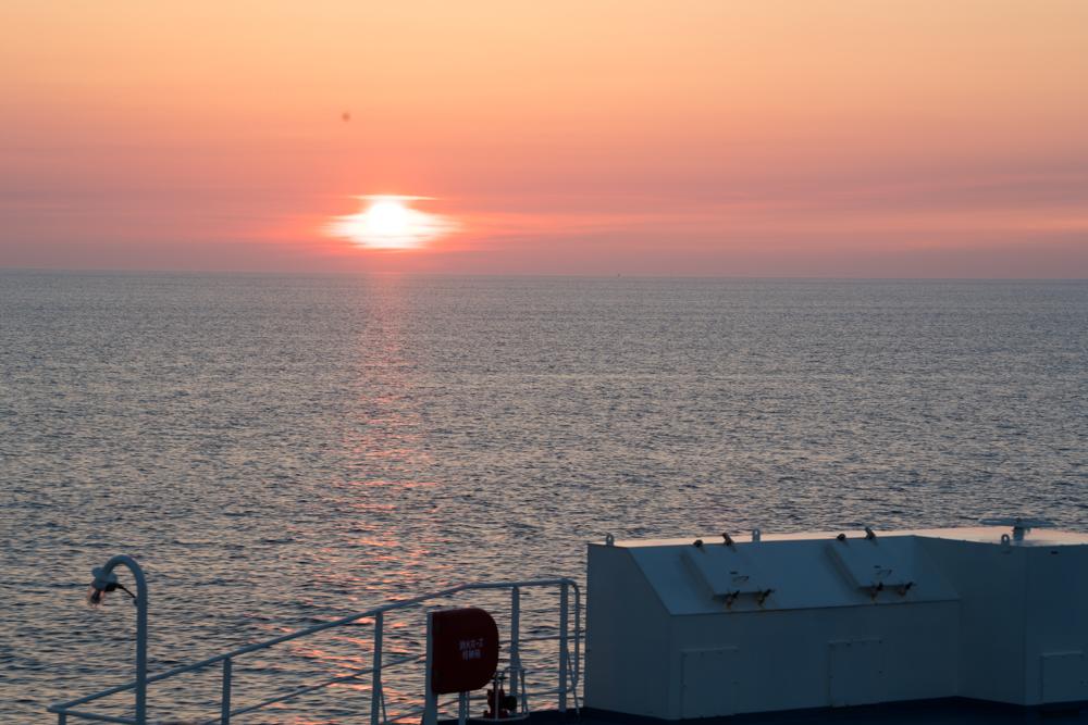 新日本海フェリーから見る夕日