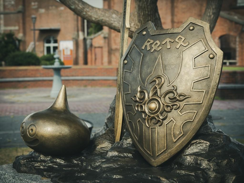 ドラゴンクエスト記念碑 ロトの盾