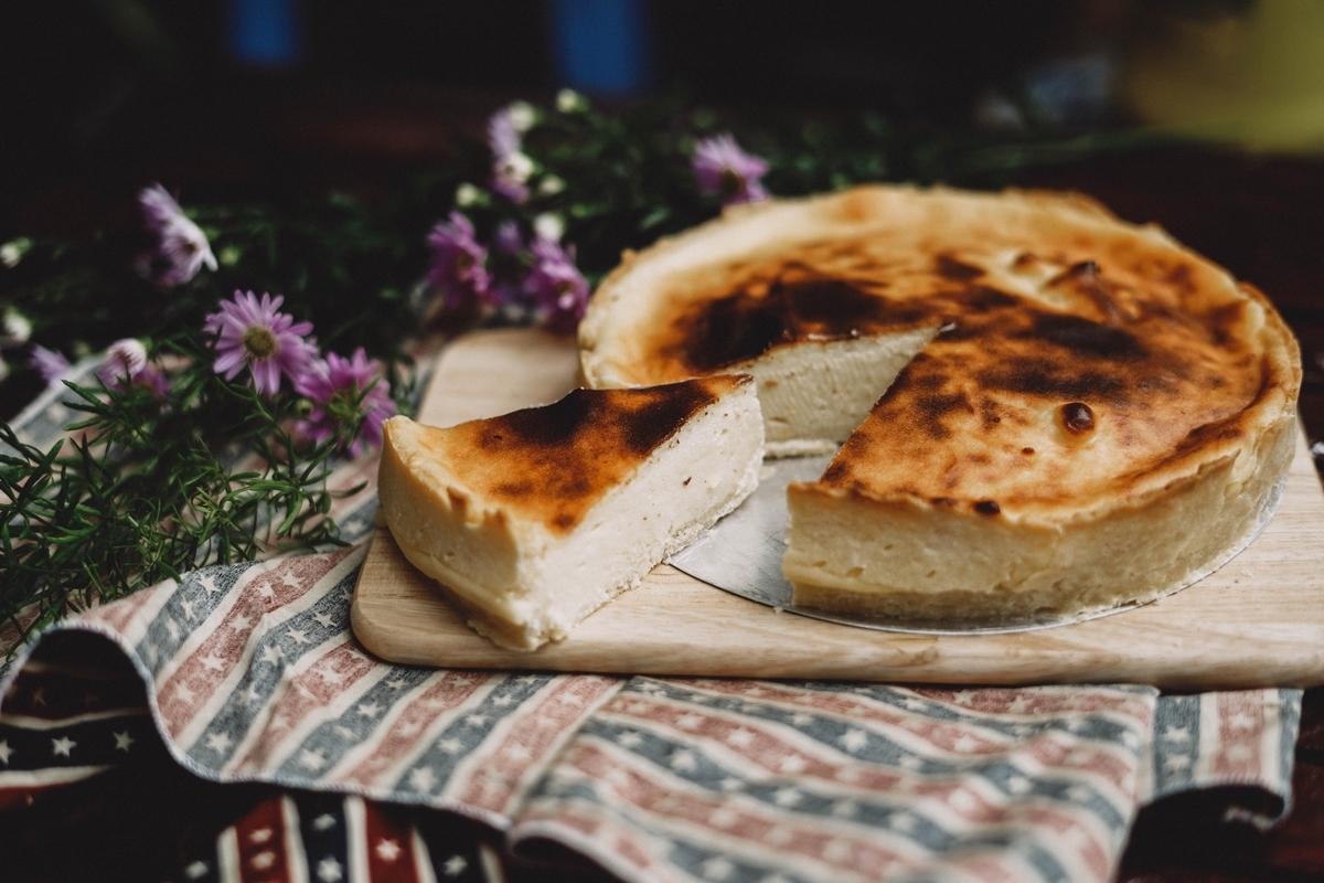 ダイエッターに嬉しい砂糖なしのバナナチーズケーキのレシピ。