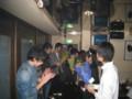 2010年追いコン 2次会@Bar Toraja 12 花束贈呈(花言葉をそえて)