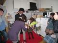 2010年追いコン@タピオ宅 花束贈呈 1