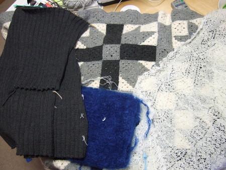 編みかけ…
