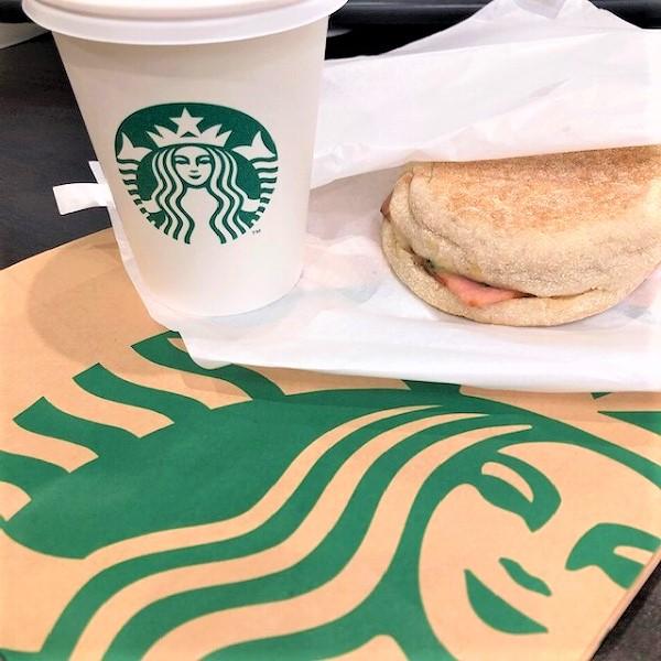 【スタバ】寒い朝のお供にいかがですか?ほうれん草エッグ&ソーセージ イングリッシュマフィン♡