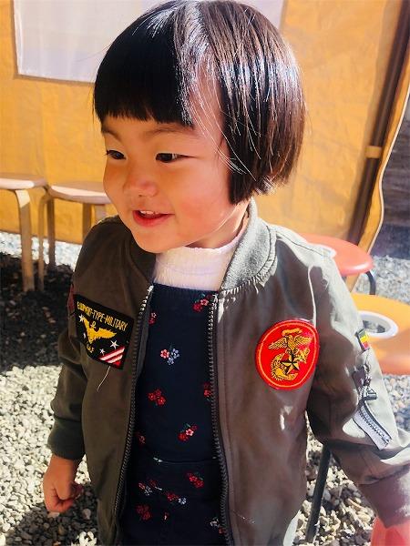 お気に入りのこの上着は甥っ子のおさがり♡