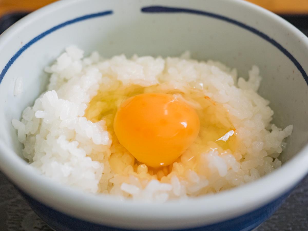 「食堂かめっち。」の「黄福定食」の卵