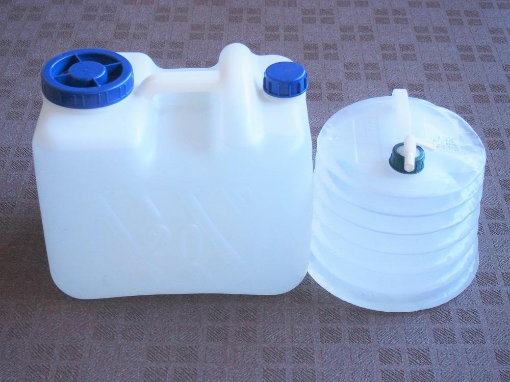備蓄水用ポリタンク