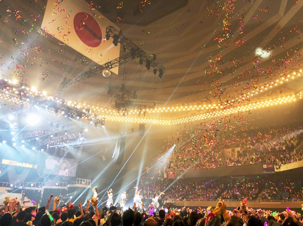 Juice=Juice 武道館公演(2018) ラストスパートの銀テープ!佳林ちゃんブログより