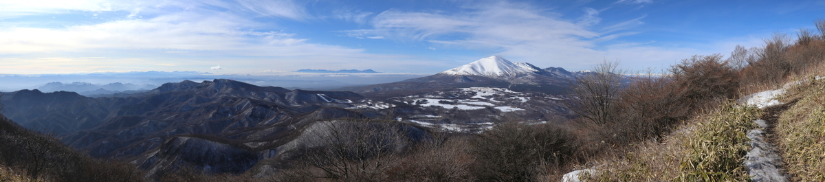 浅間山を横目に稜線歩き