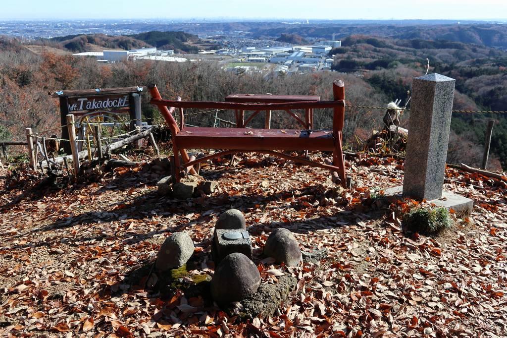 その景色を眺めながらベンチで休憩