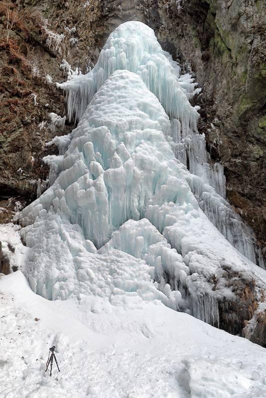氷瀑とカメラ