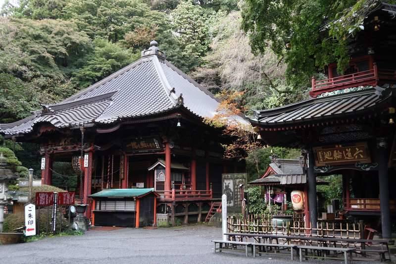 時間に余裕があれば寺内を巡るのも良いかと。