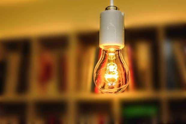 バリ島の電気、スマホ充電やドライヤーの使用は大丈夫ですか?