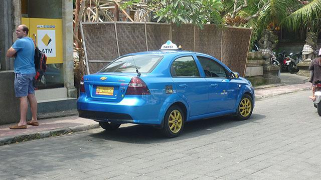 ウブドへの移動方法・タクシー