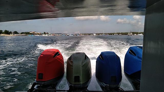 高速艇のエンジン