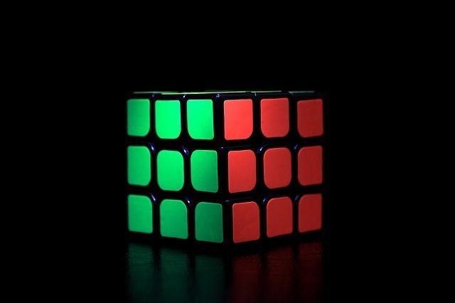 rubiks-cube-933202_640.jpg