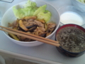 [朝ごはん]海賊丼・こごみと水蕗の中華スープ・ヨーグルト