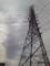 孤高の送電線