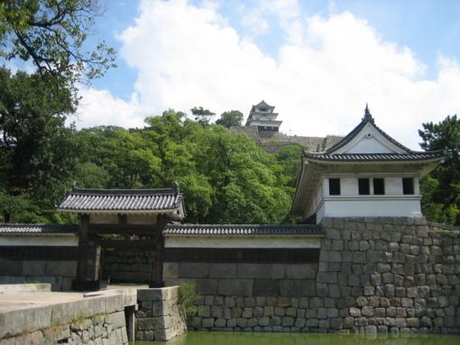 丸亀城 正面(堀端)