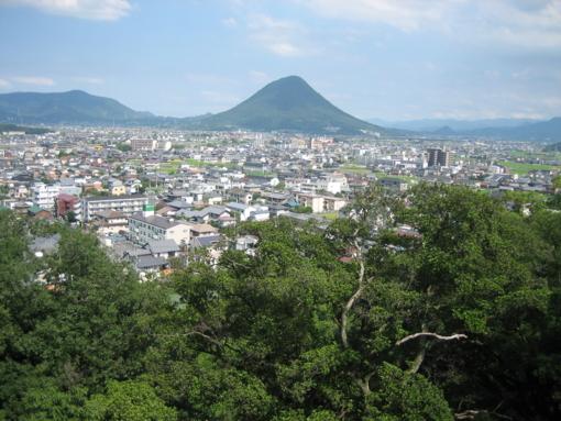 丸亀城 飯野山遠景