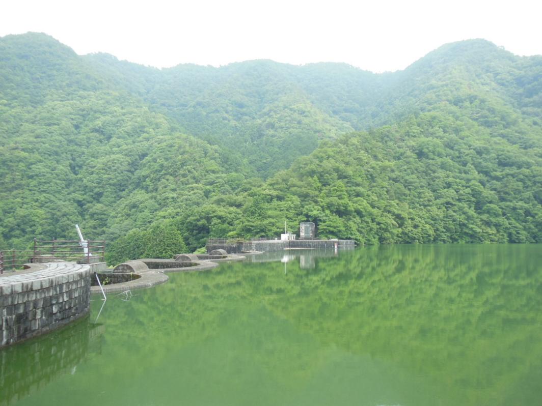 [豊年池][香川][ダム][石積アーチ]