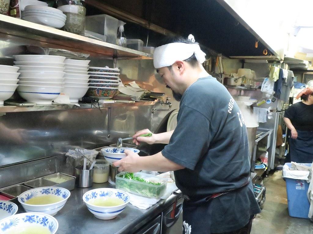 新潟駅前でおいしいお酒とこだわりのアゴ出汁ラーメンを楽しめる「浦咲」