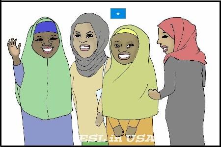歩きながらおしゃべりするソマリア人女性たち