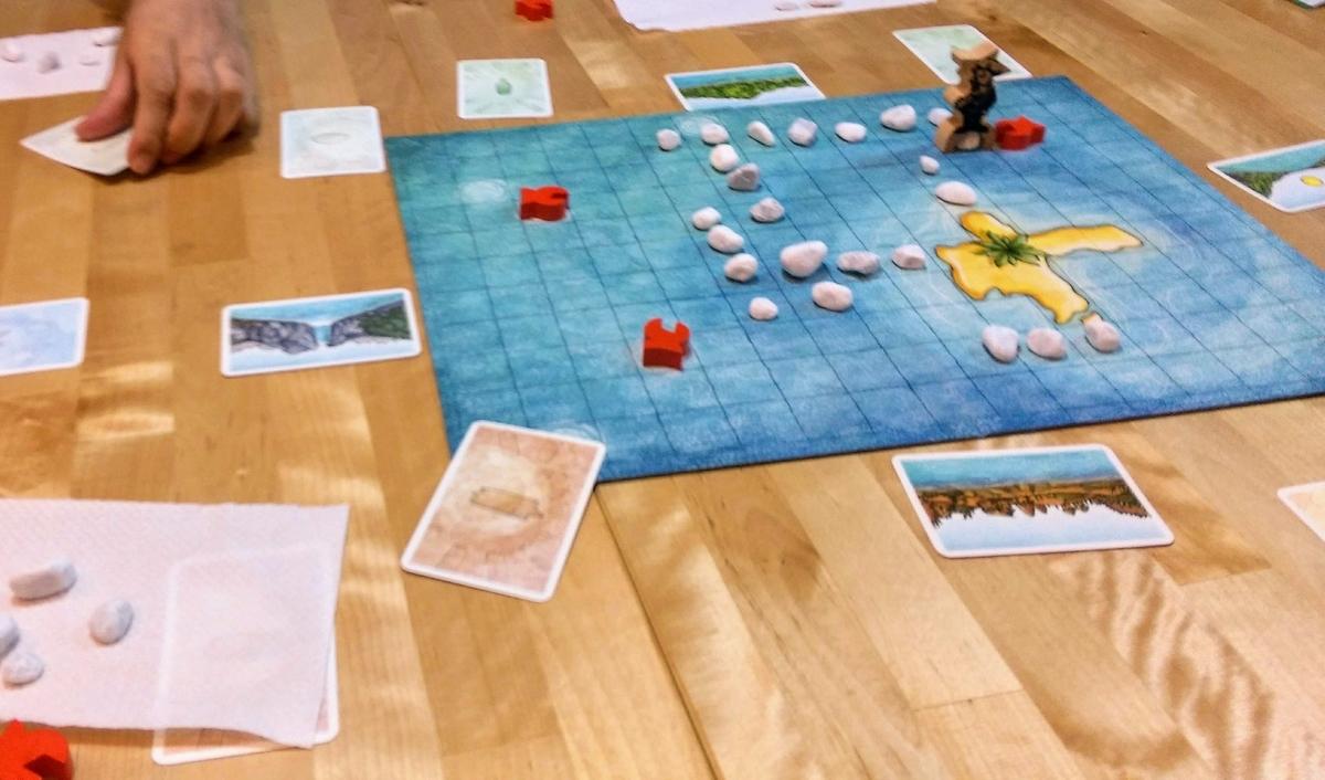 元の島より石の陸地が大きくなってきたゲーム終盤