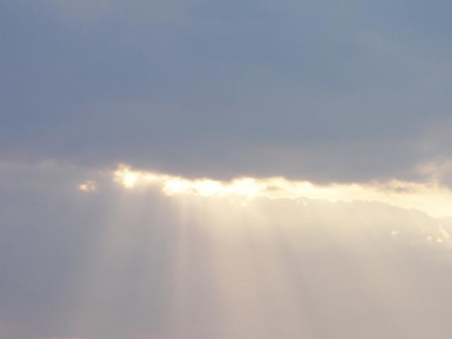 雲の割れ目