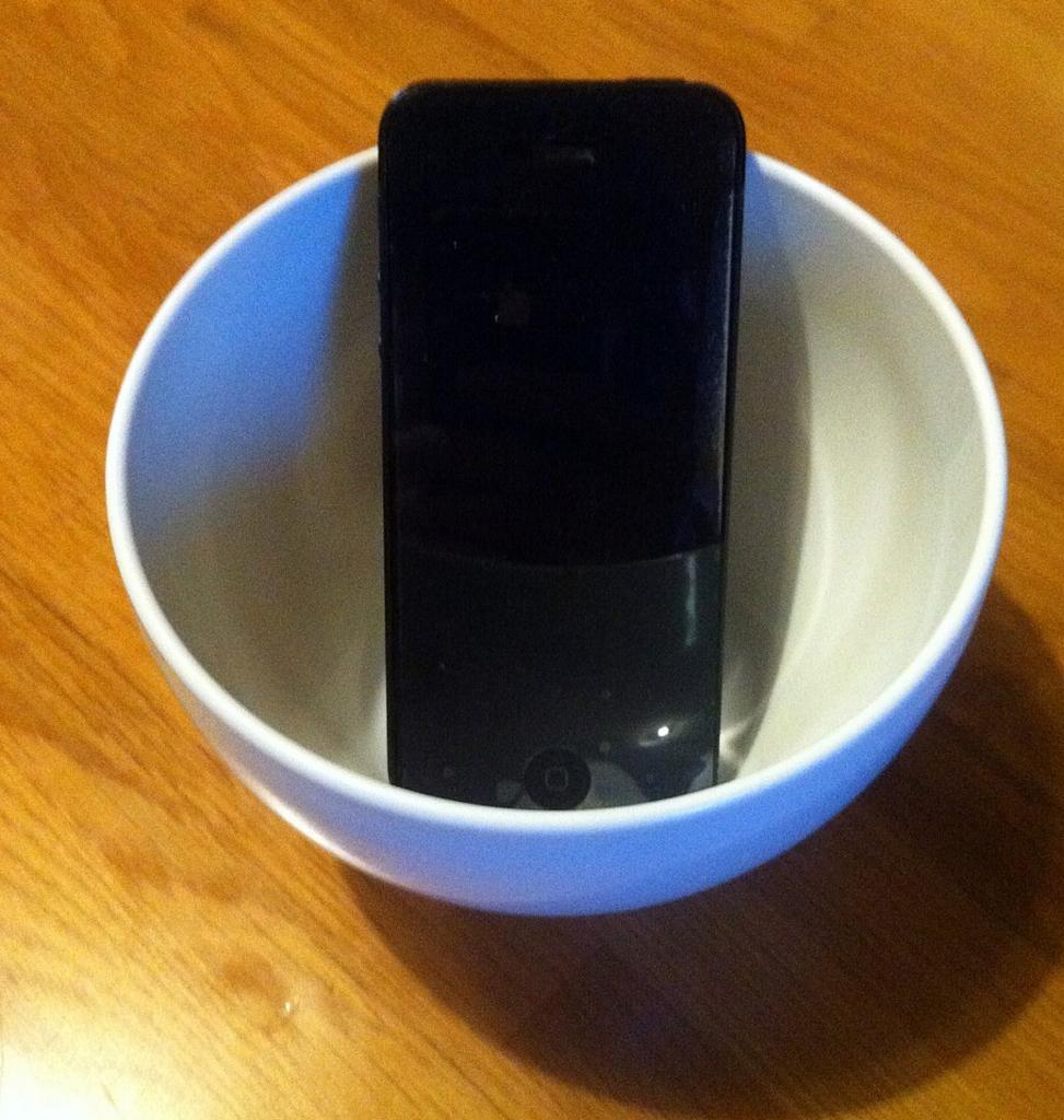 茶碗がスピーカーに!?これぞ一石二鳥!2WAYスマートフォン用室内スピカー