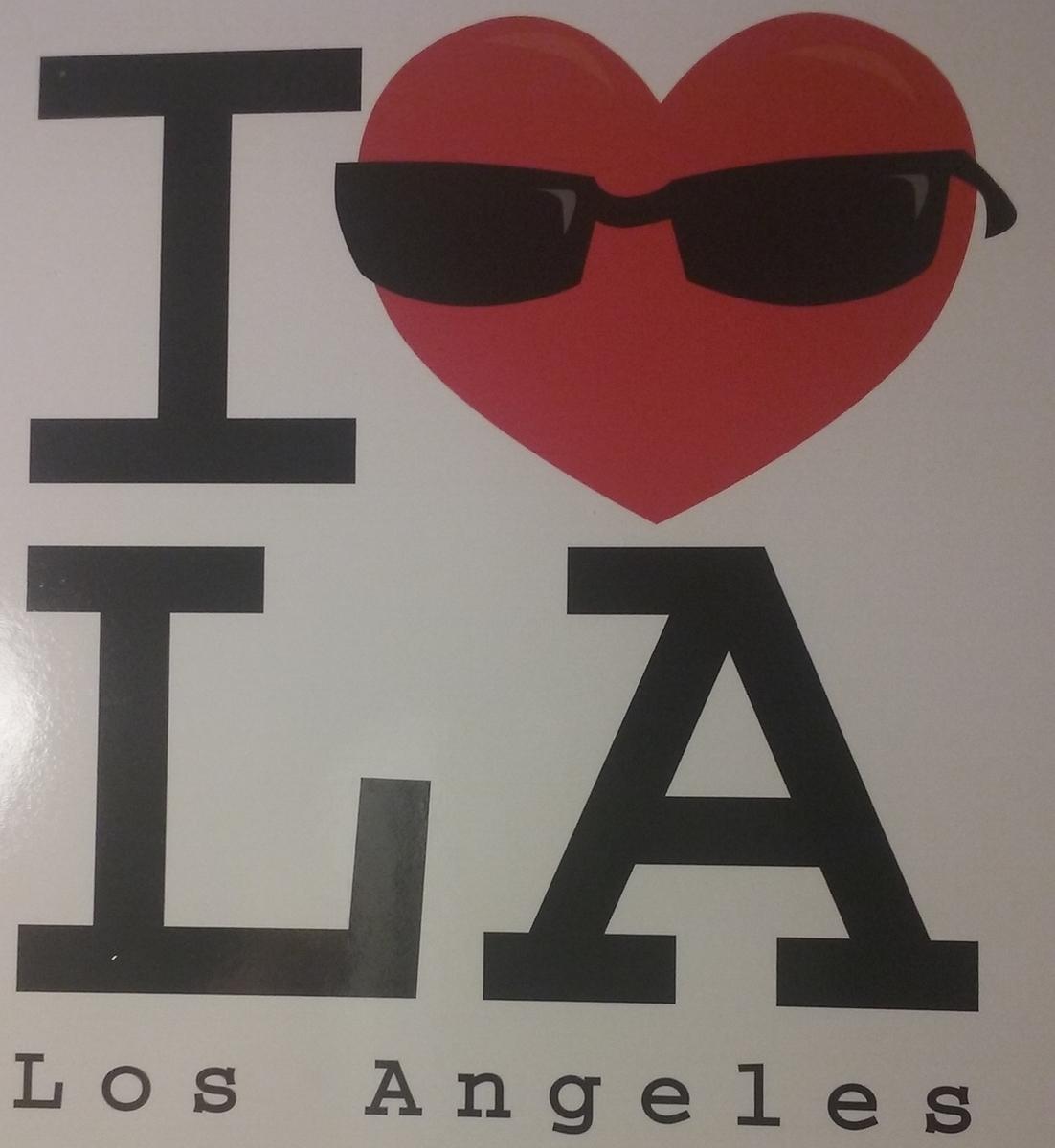 I ❤️ LAと書かれた絵ハガキ