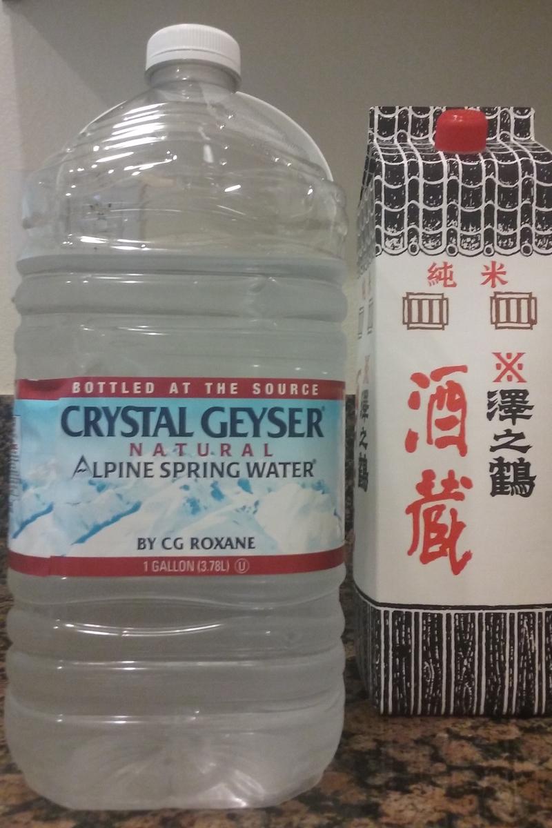 酒と水の写真。