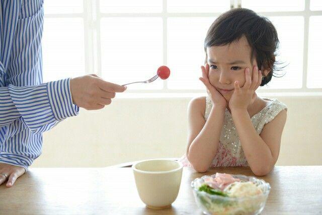 ご飯を食べない子供