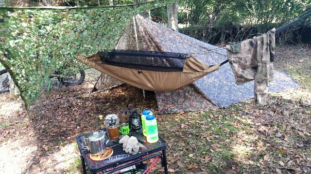 タフライトテーブル ソロキャンプ