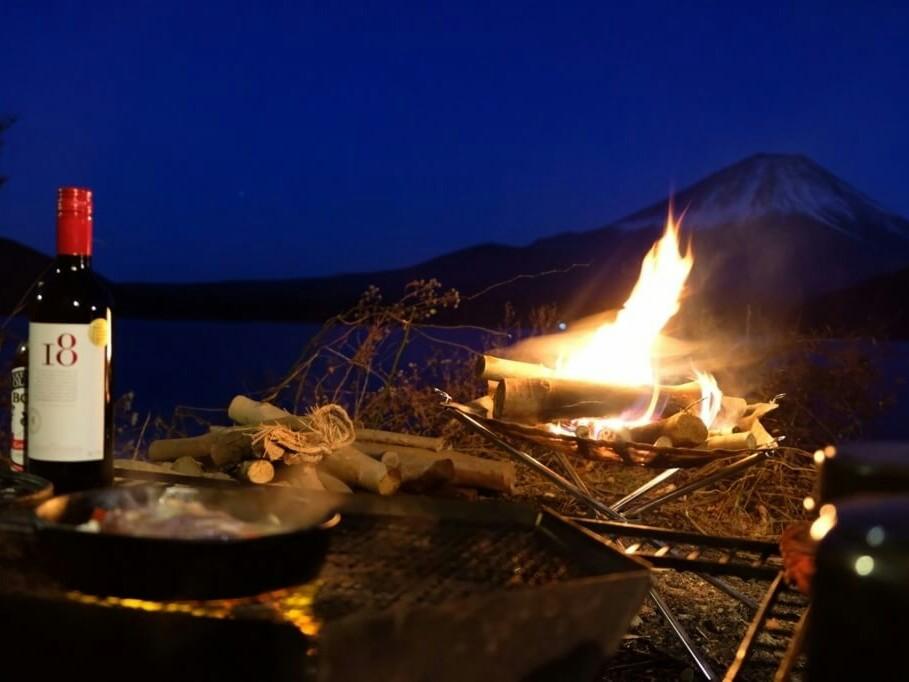 夜のキャンプ