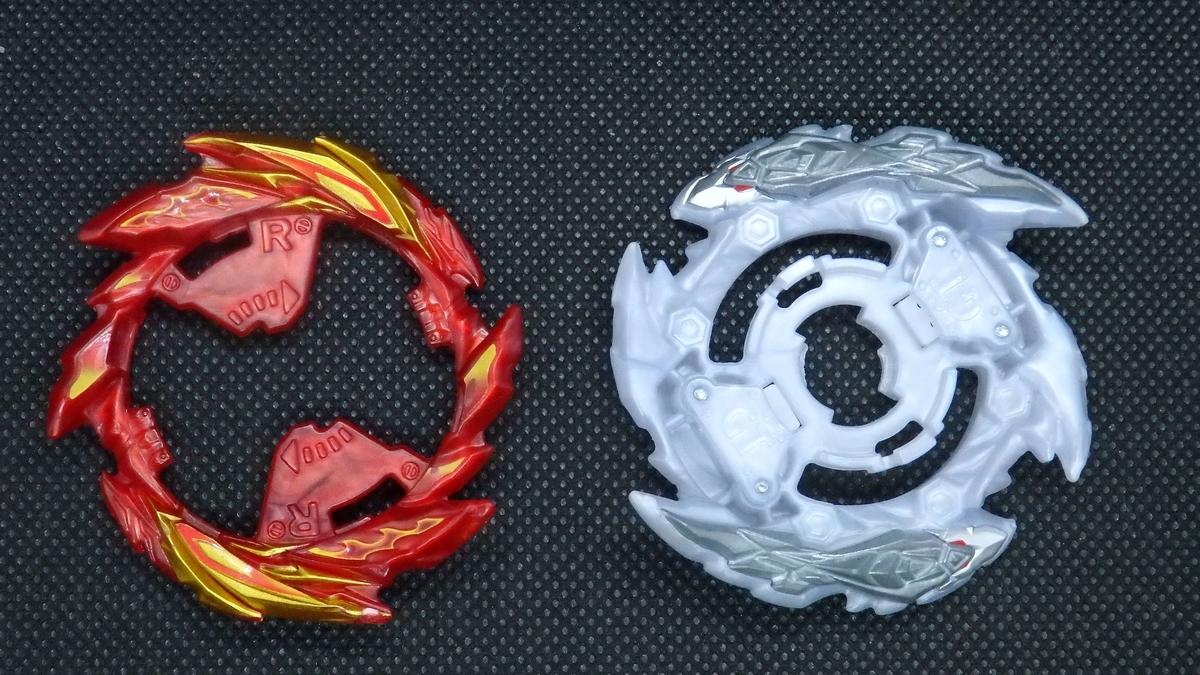 左:スーパーリング 右:ツヴァイベース 正面