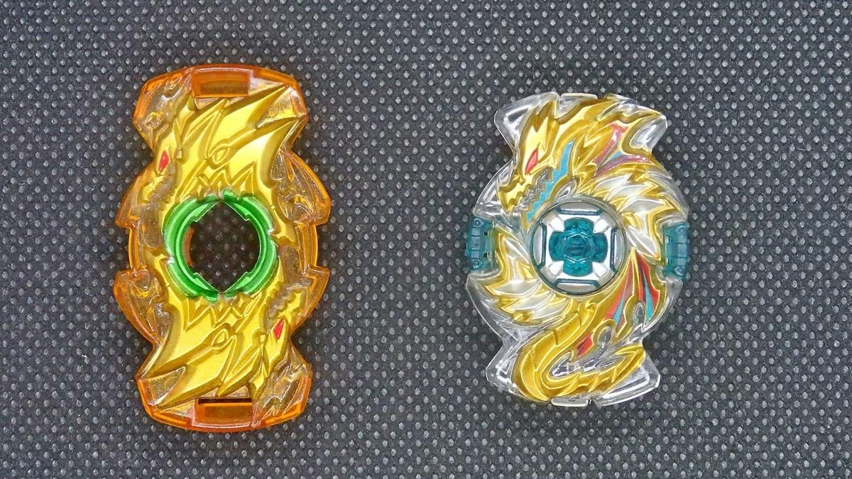 左:GTシリーズのファブニル 右:超王シリーズのファブニル