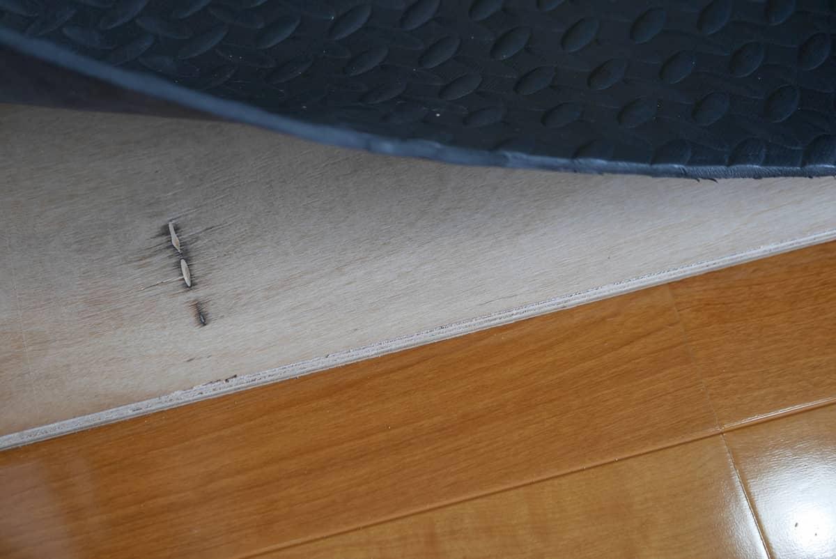 荷重を分散するための12mm厚構造用合板