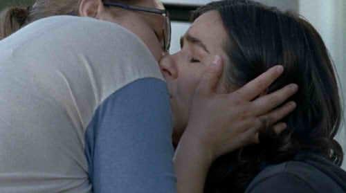 デニースとタラのキス
