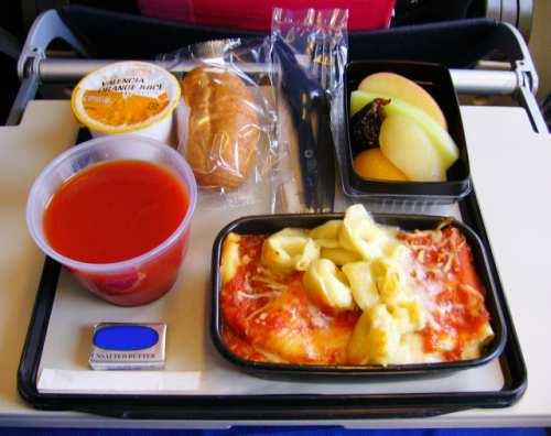 エコノミークラス機内食