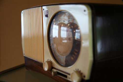 不便・使いにくいとの評価も。選曲できないラジオのようにチャンネルを聴く『ラジオ型』