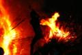 『京都新聞写真コンテスト  勝部の火祭り~若衆大蛇退治の図』
