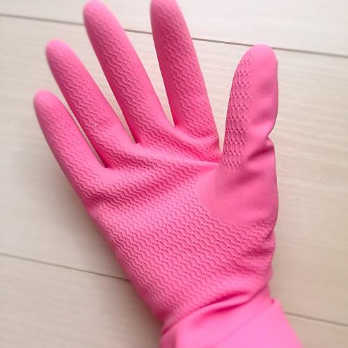 猫の抜け毛対策,猫の抜け毛掃除法,絨毯についた抜け毛を取る,絨毯に絡まった毛を取り除く,ゴム手袋を使った掃除方法