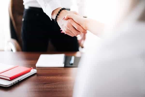 【転職面接対策はこれで楽勝】自己紹介・退職理由・志望動機を1つのストーリーで繋げれば内定はとれる